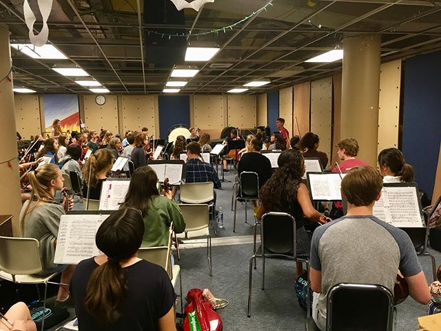 Our first full day in Chicago was a success! Much of the day was spent working on the orchestra repertoire for this Sunday's concert. We enjoyed two meals provided by our hosts, Moody Bible Institute, and ate dinner together at Foodlife in Water Tower Place. #credomusic #credo2019