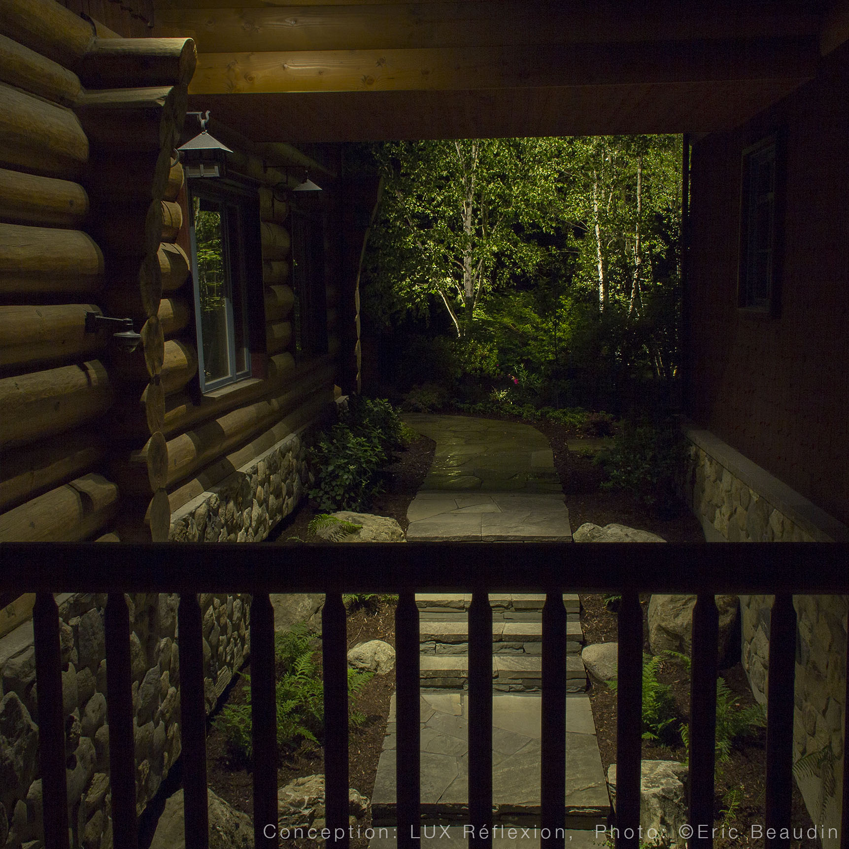 Éclairage architectural, maison bois rond