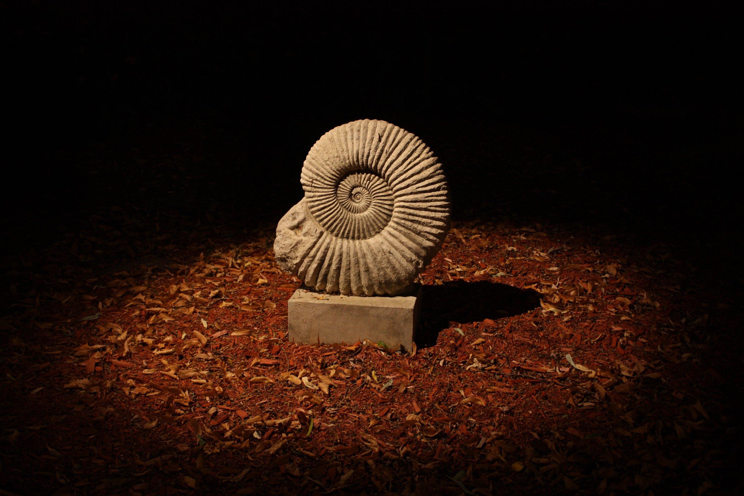 Éclairage d'oeuvres d'art, sculpture de pierre