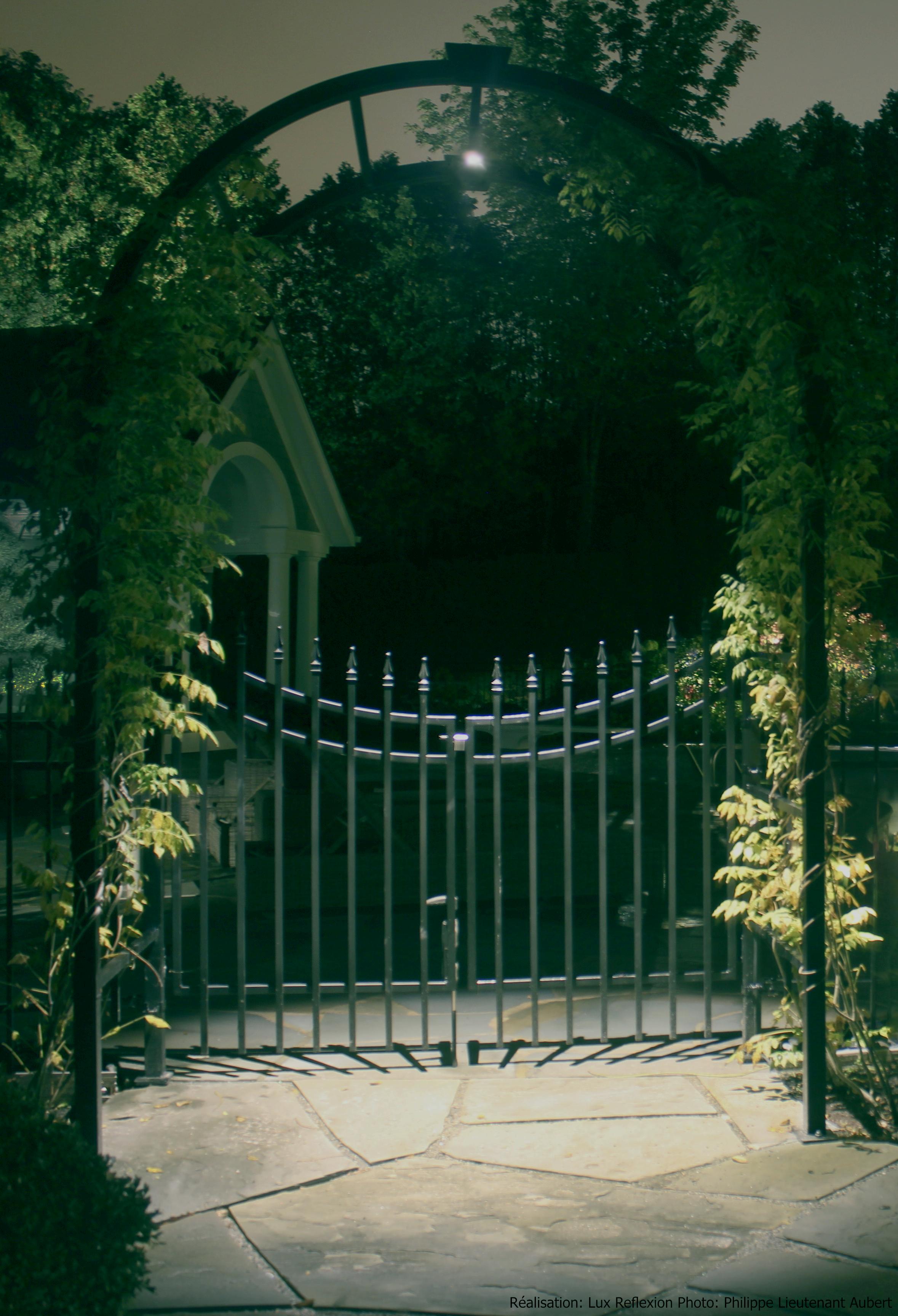 Éclairage paysager, portail