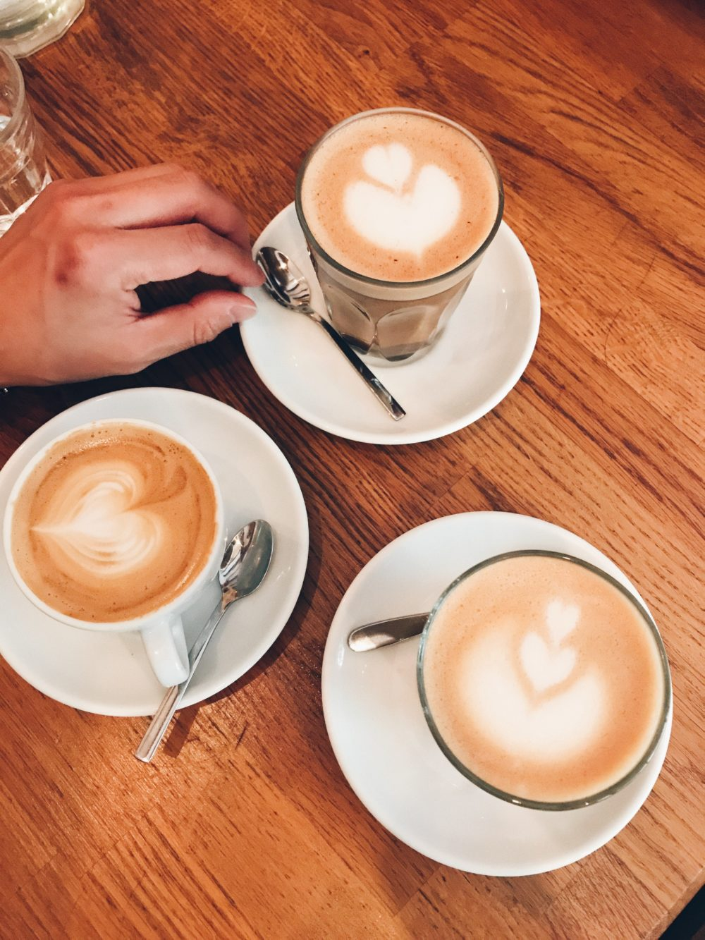Mana-Espresso-Aix-En-Provence-France-e1530894714865 (1).jpg