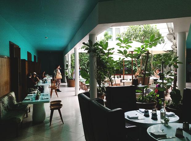 CONDESA-DF_MEXICO-CITY_MEXICO_GRUPO-HABITA_MUTEK_A-HOTEL-LIFE_BEN-PUNDOLE_COURTYARD.jpg