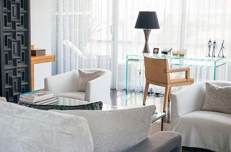 Las-Alcobas-guestroom-759x500.jpg