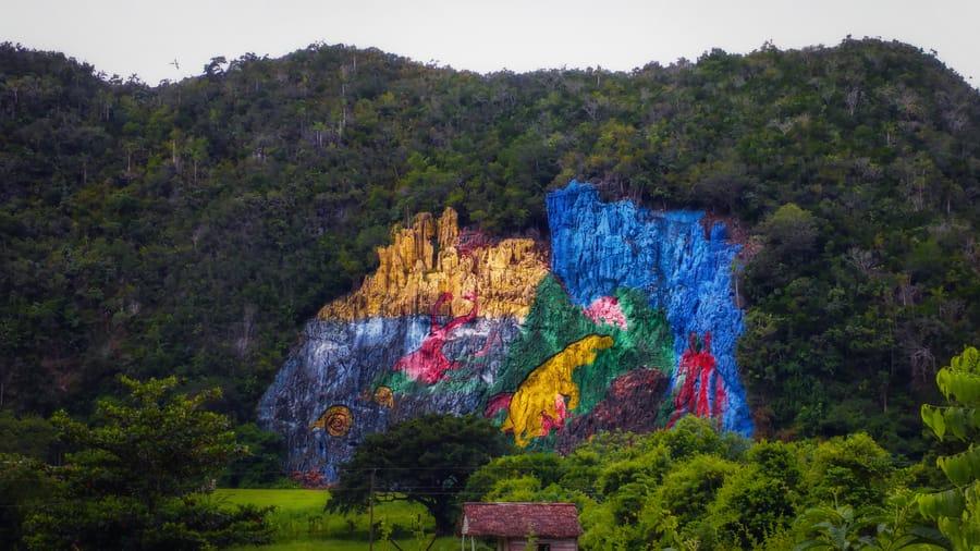 mural-de-la-prehistoria-cuba-vinales.jpg