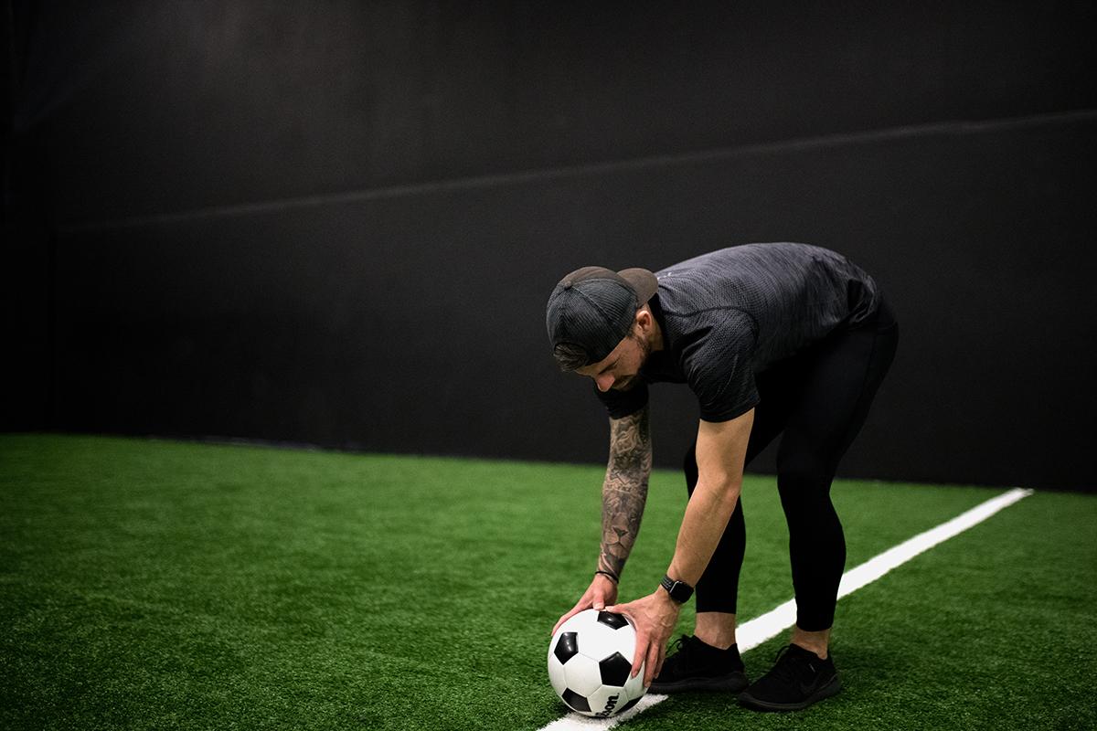 sphere-male-setting-up-kick-off.jpg