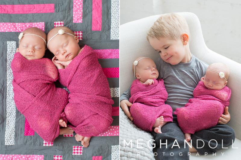 twin-newborn-girls-sleep-on-special-quilt