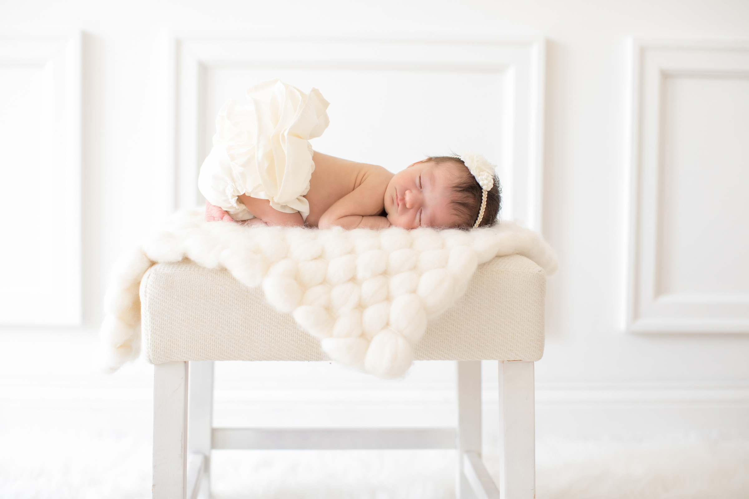 classic_styled_newborn_girl.jpg