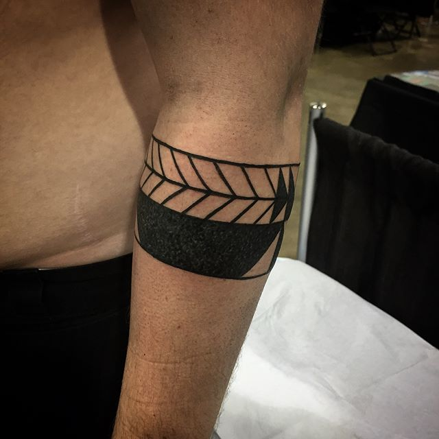 Arm band from Denver convention, what a awesome time! Thank you every one who got tattooed by me! I'll be back soon promise!! #johnnykelly #omkaratattoo #denvertattooconvention #blackwork #tribal #neotribal #philadelphia #blackworkers #sacredgeometry