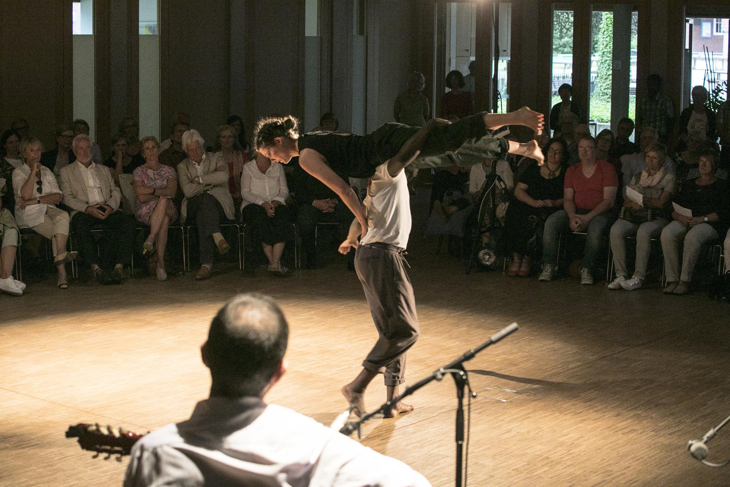arabian dance2.jpg