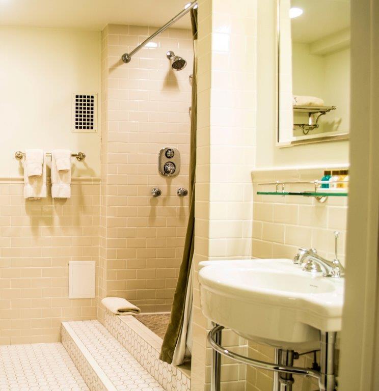 Bathroom-0087.jpg