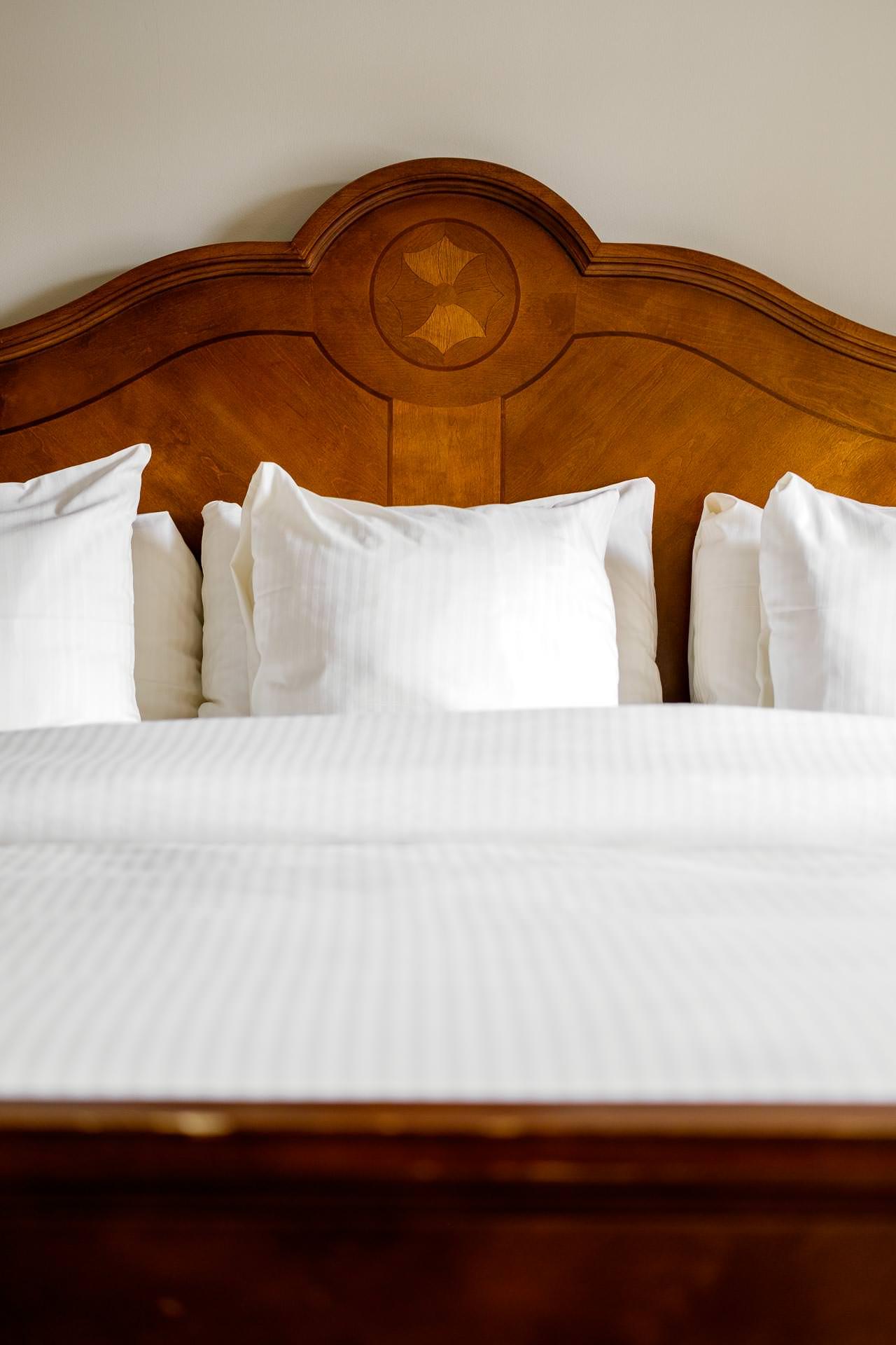 Center Pillow King Bed.jpg
