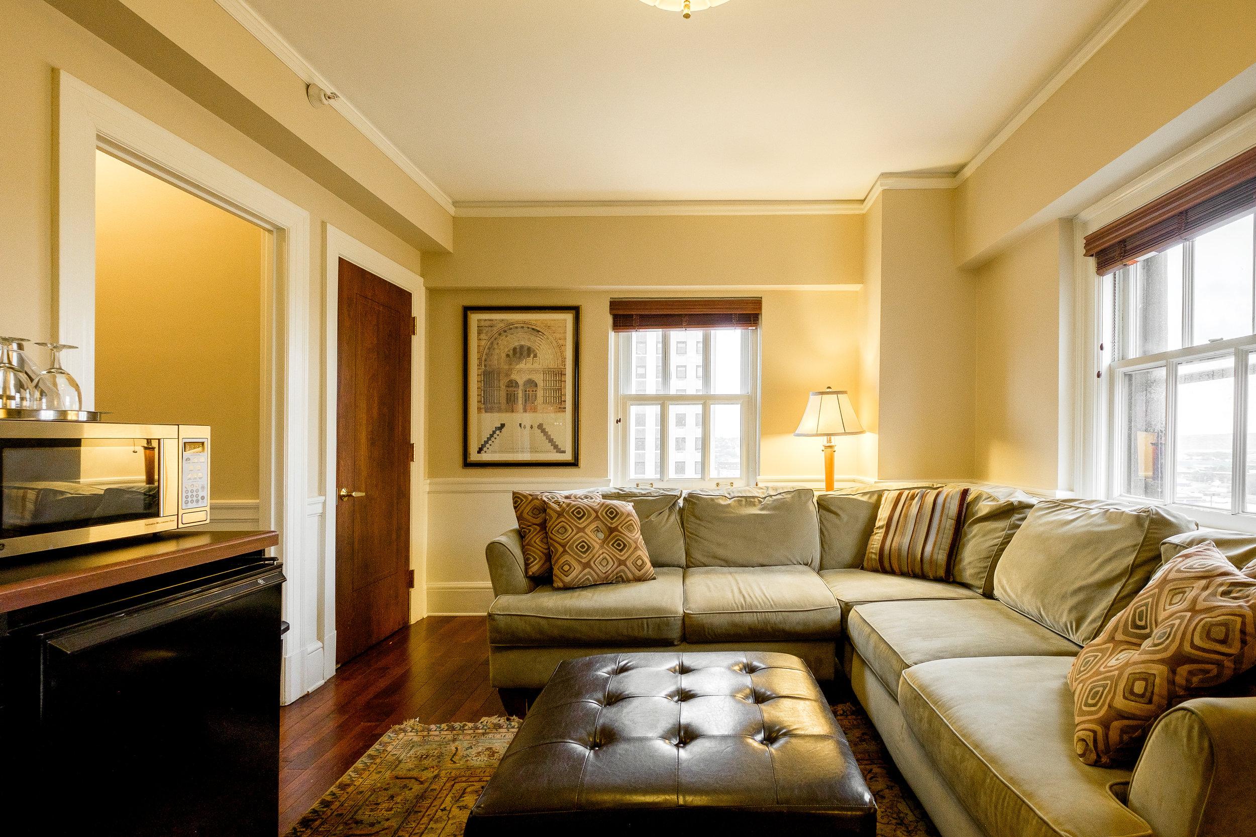 1103 Living Room.jpg