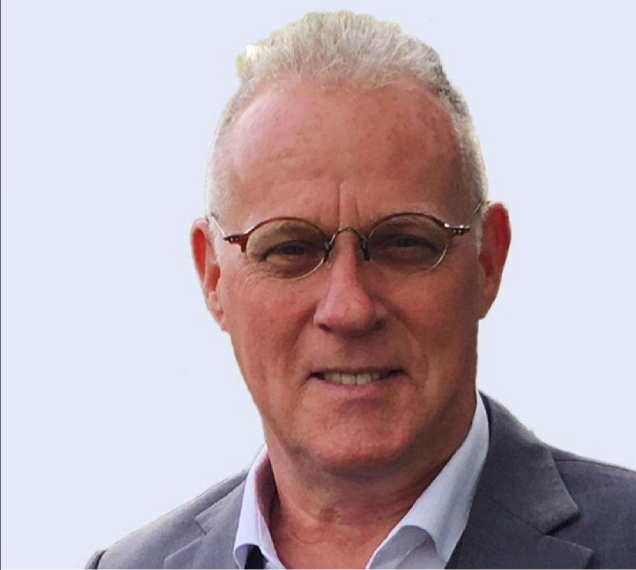 Stuart Mackay.png