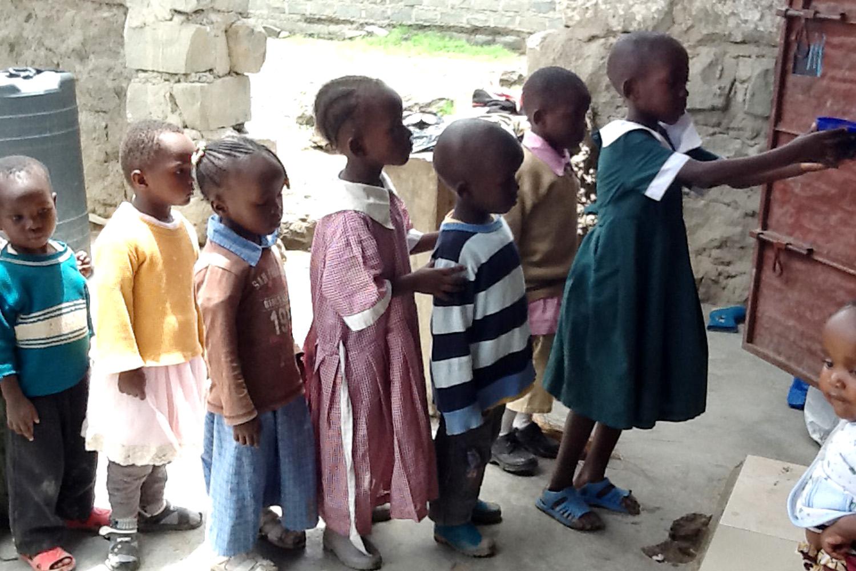 orphanage feeding4.jpg