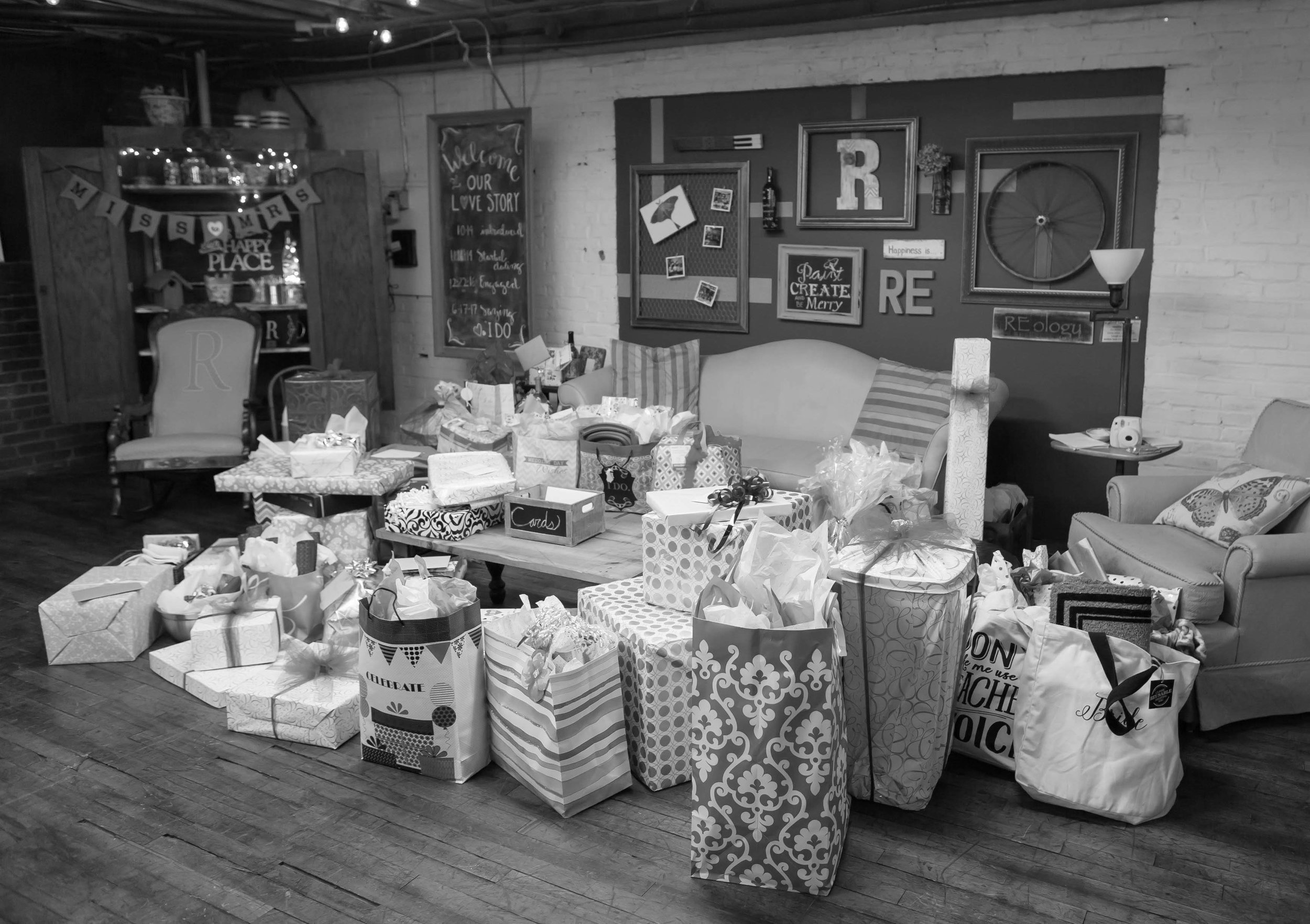 Lots-of-gifts-event-venue-reology.jpg