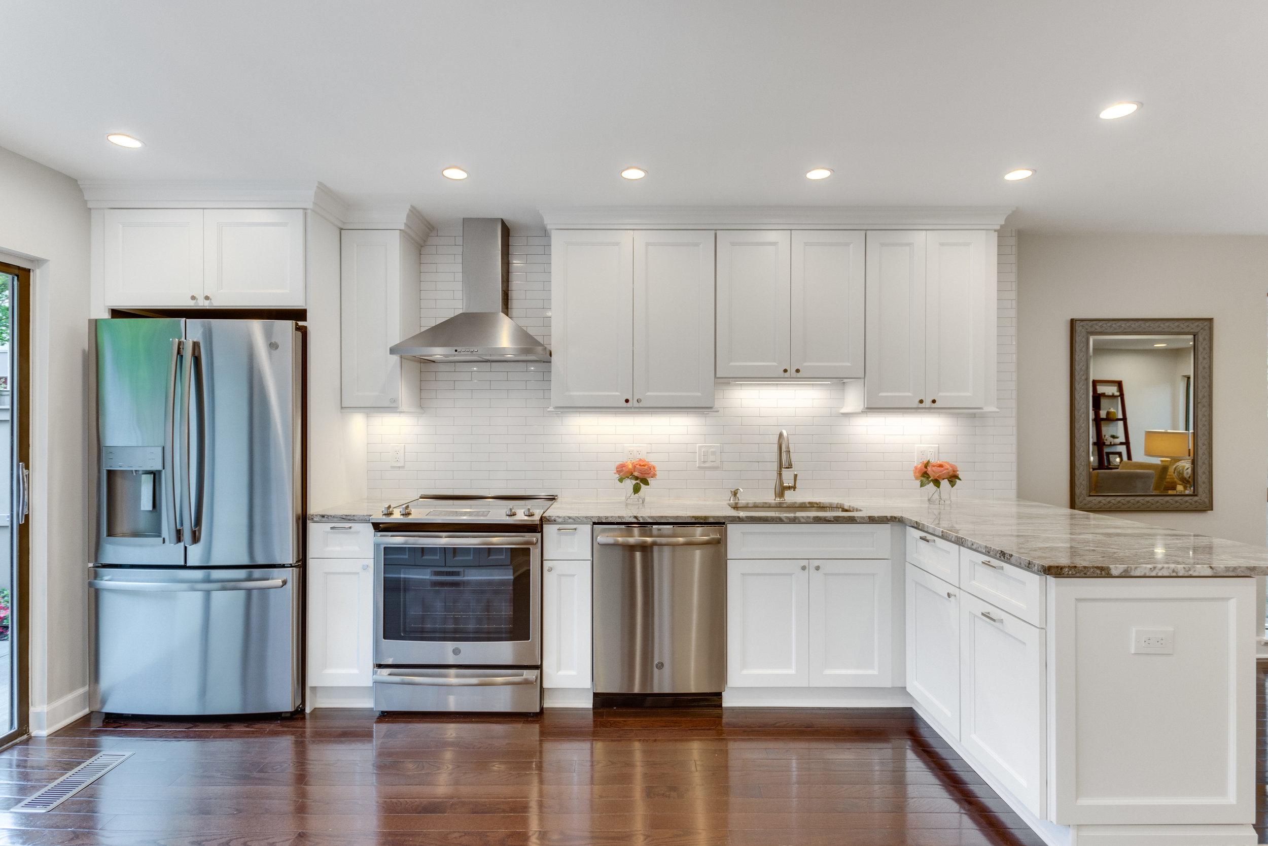 11718 Newbridge Ct Reston VA-print-012-12-Kitchen-4200x2800-300dpi.jpg