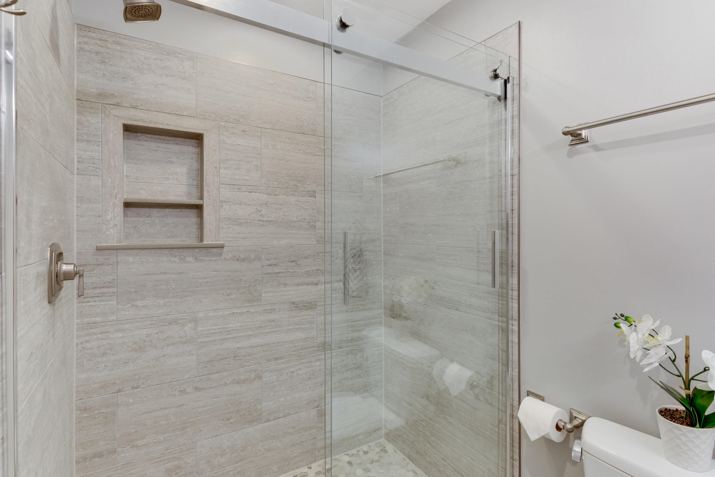 11718 Newbridge Ct Reston VA-print-051-33-Bathroom-4200x2800-300dpi.jpg