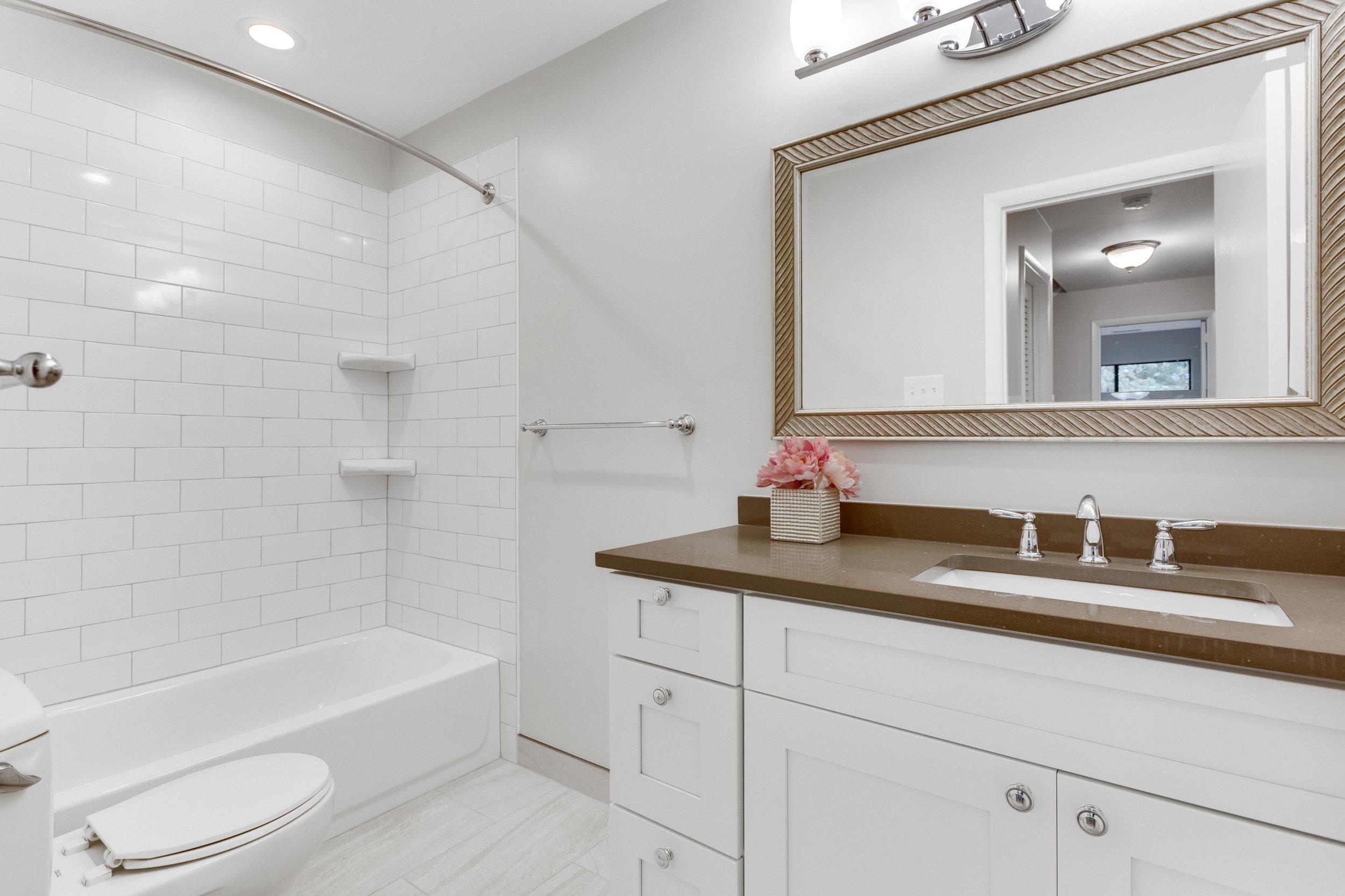 11718 Newbridge Ct Reston VA-print-072-79-Bathroom-4200x2800-300dpi.jpg