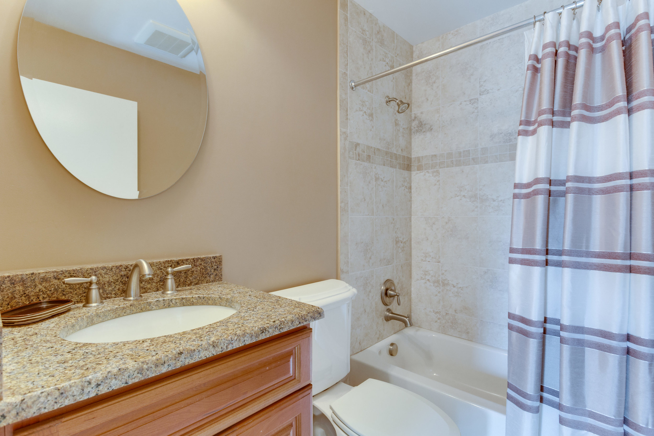 2072 Lake Audubon Ct Reston VA-print-052-56-Bathroom-4200x2800-300dpi.jpg