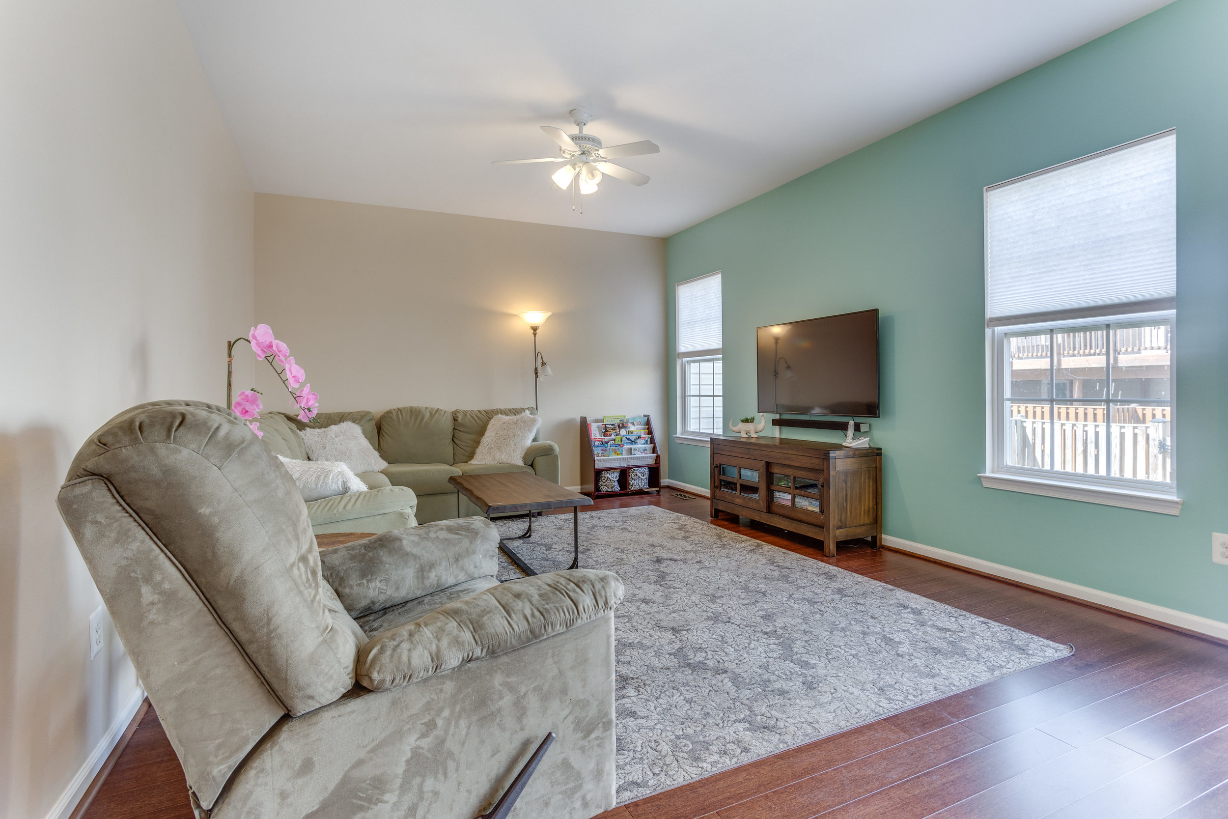 326 Baish Dr SE Leesburg VA-print-017-13-Family Room-4200x2800-300dpi.jpg