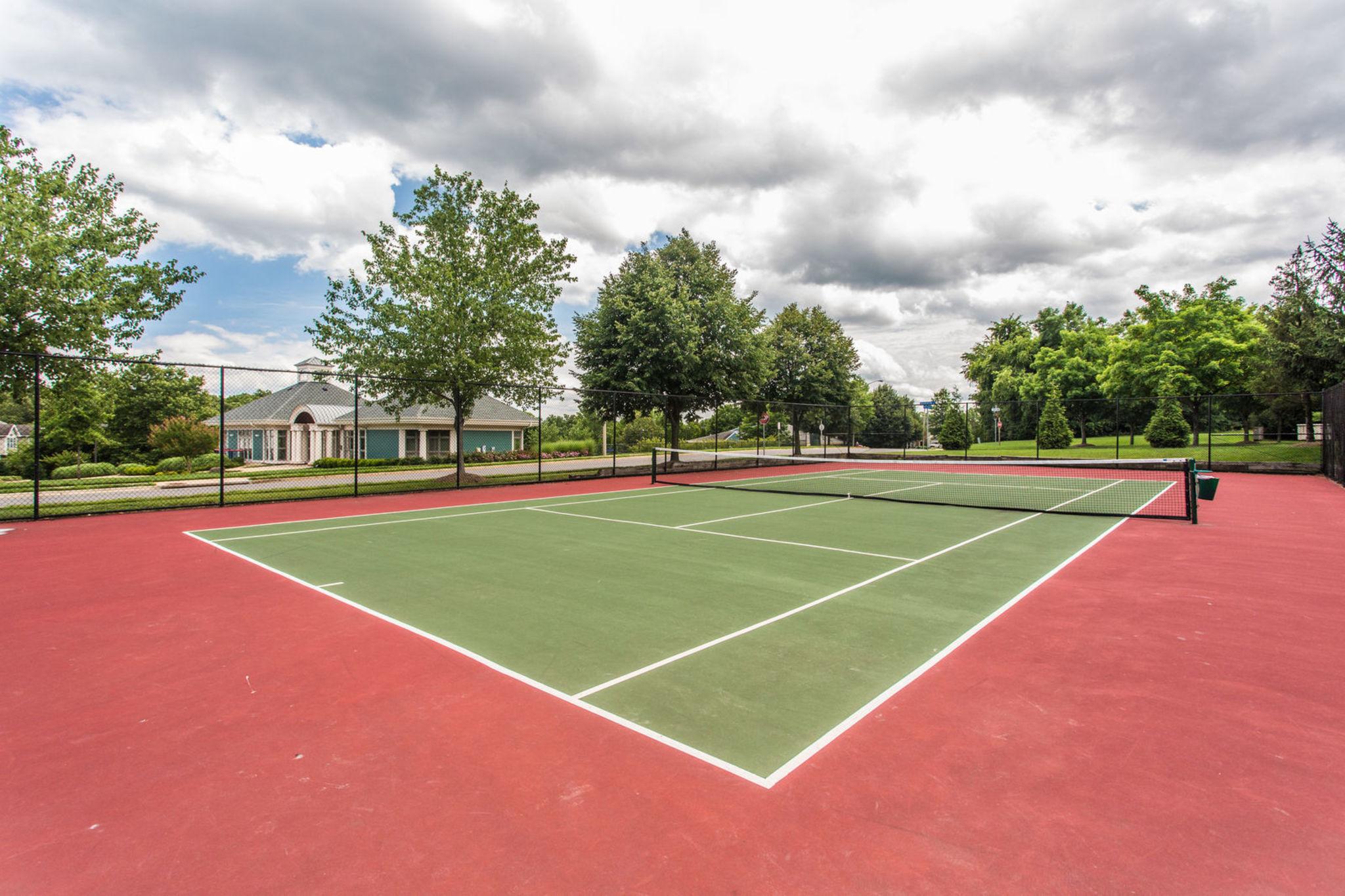 14340_stonewater_ct-print-049-32-tennis_court-4200x2800-300dpi.jpg