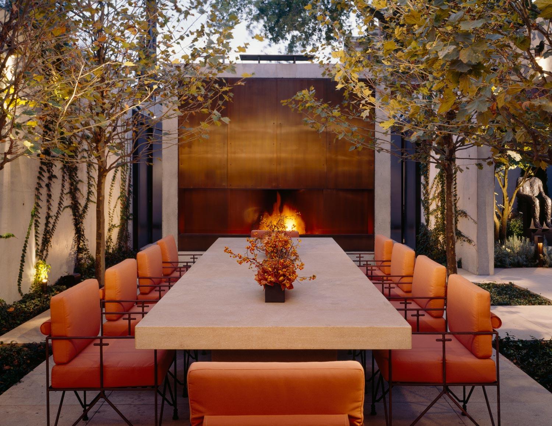 custom upholstery for exterior use Interior Design: Leslie Jones & Associates, Inc.