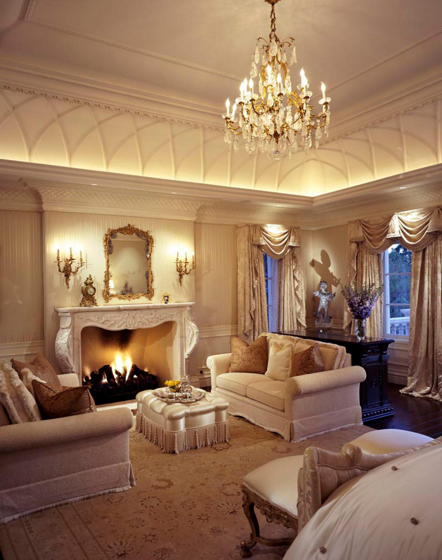 window treatments, upholstery, throw pillows Interior Design: Howard Design Group