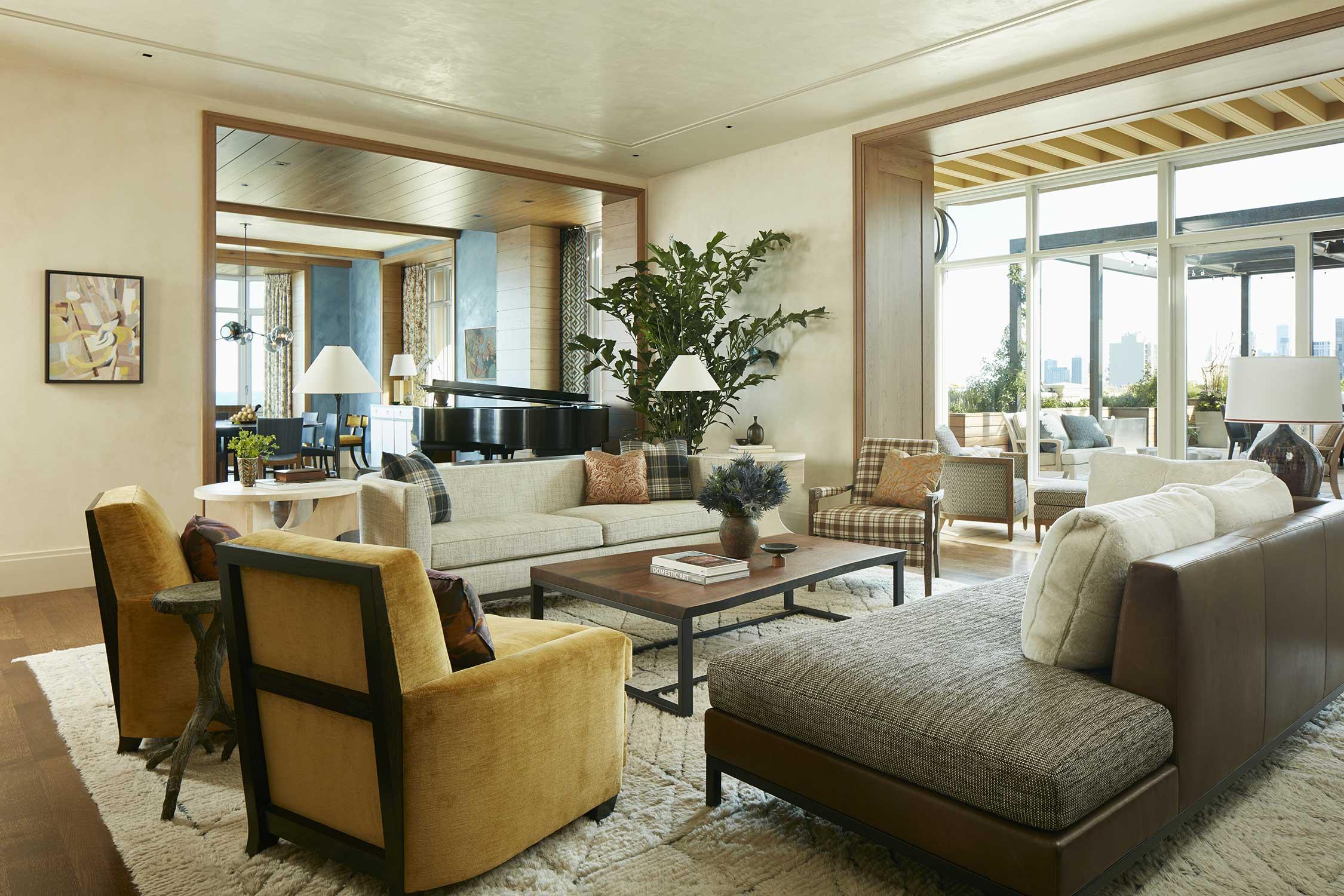 window treatments & throw pillows  Interior Design: Bruce Fox, Inc.