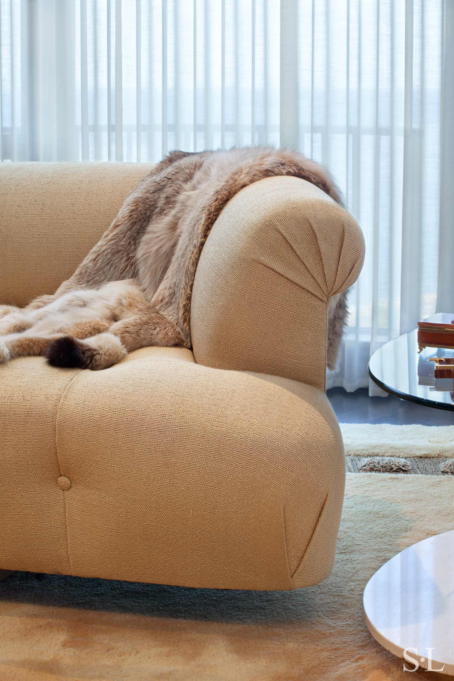 custom curved sofa  Interior Architecture & Design: Suzanne Lovell, Inc.
