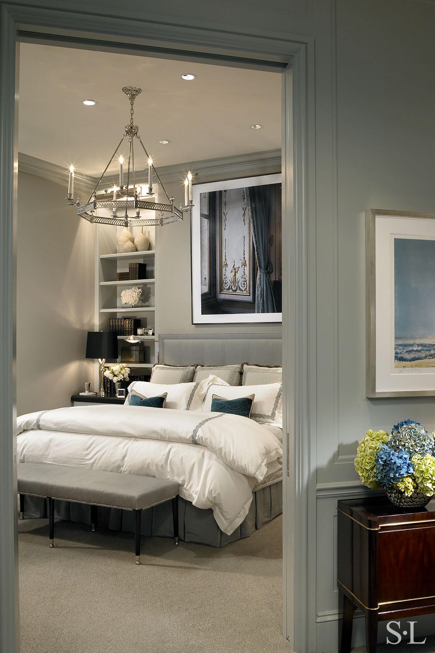 custom headboard & bedding  Interior Architecture & Design: Suzanne Lovell, Inc.