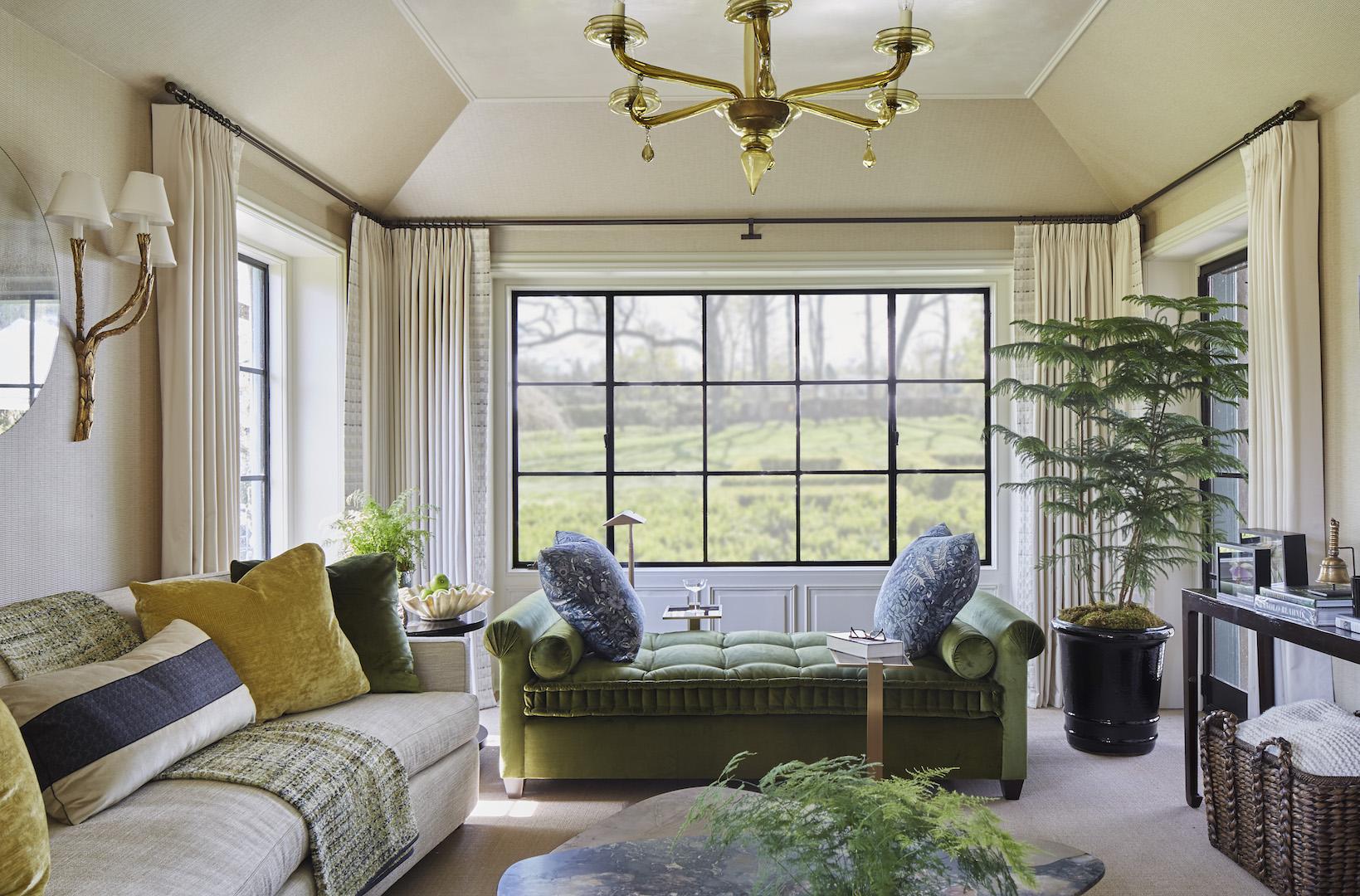 custom daybed & throw pillows  Interior Architecture & Design: Lichten Craig Architecture & Interiors