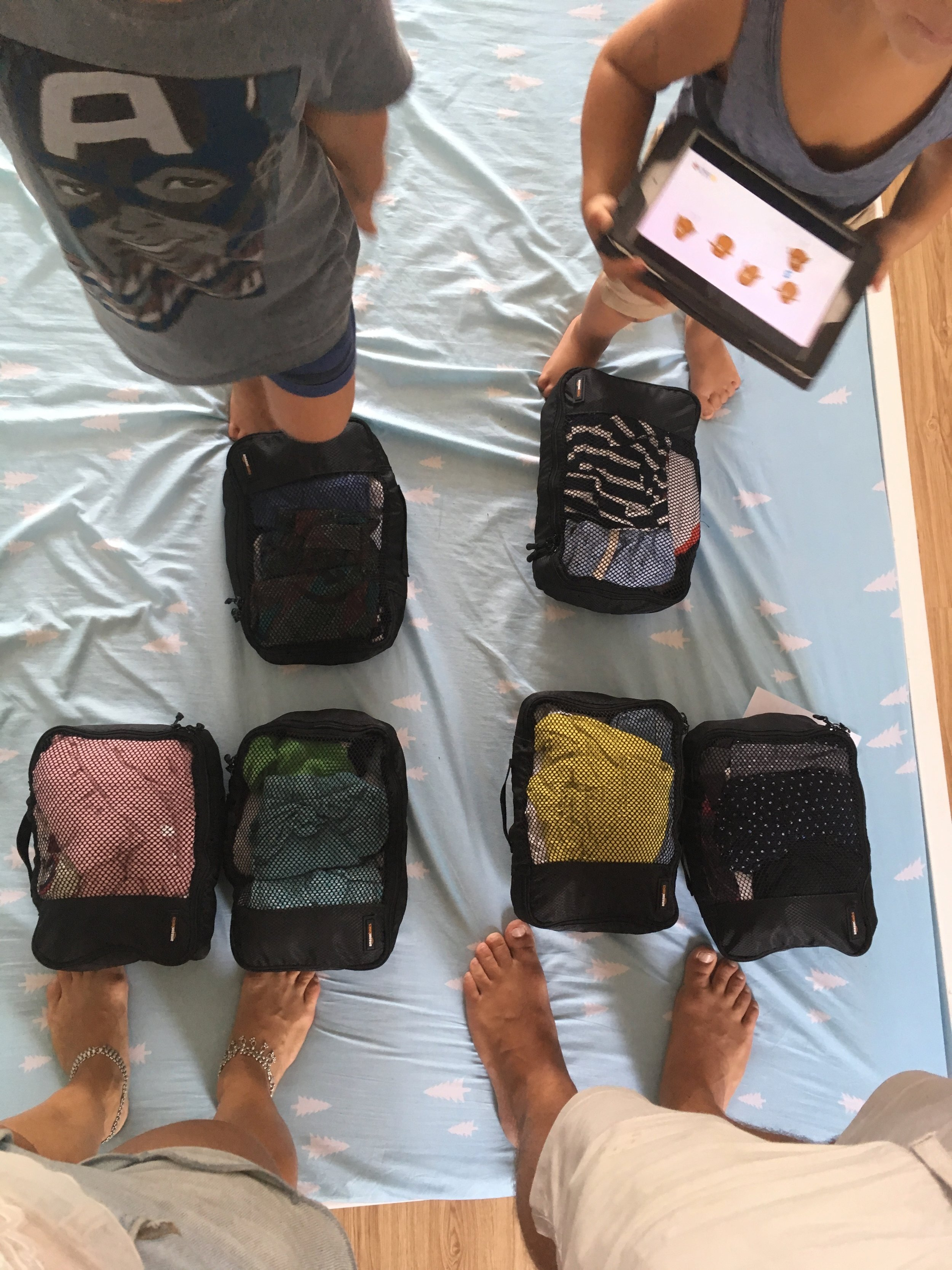 The 6 bags with clothes.