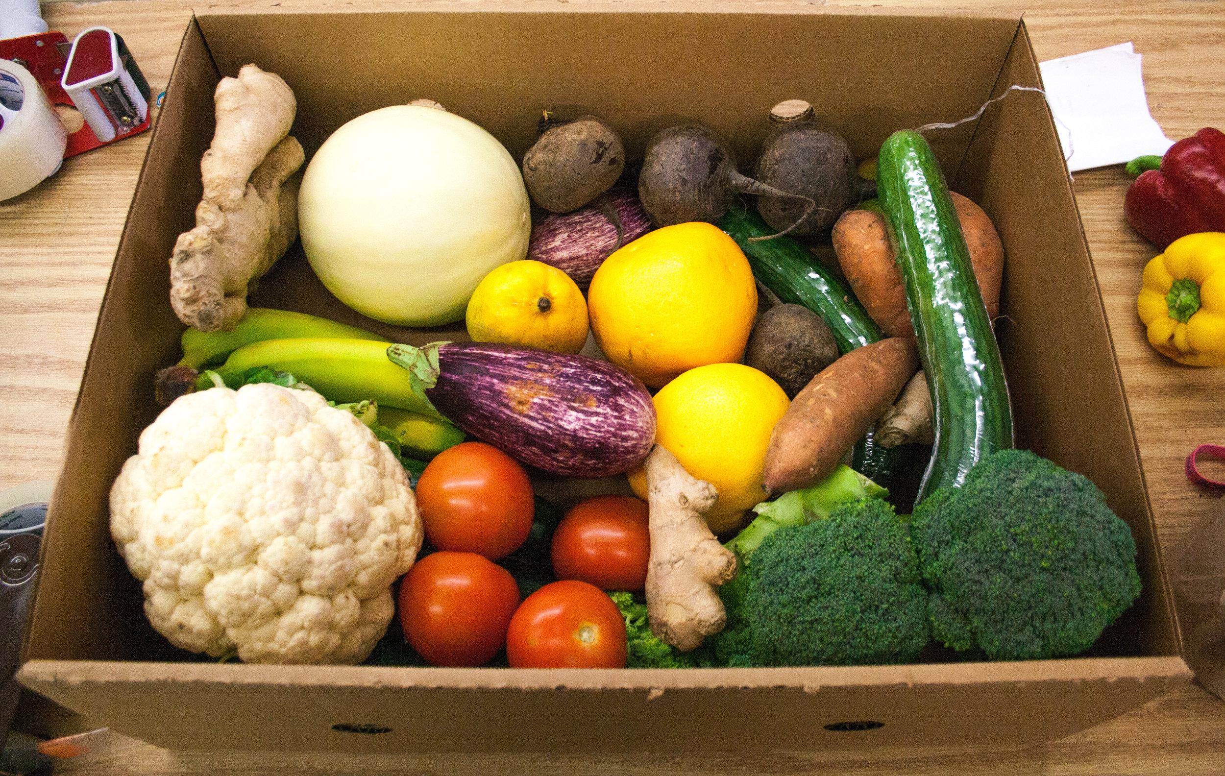 Mixed veggie and fruit box