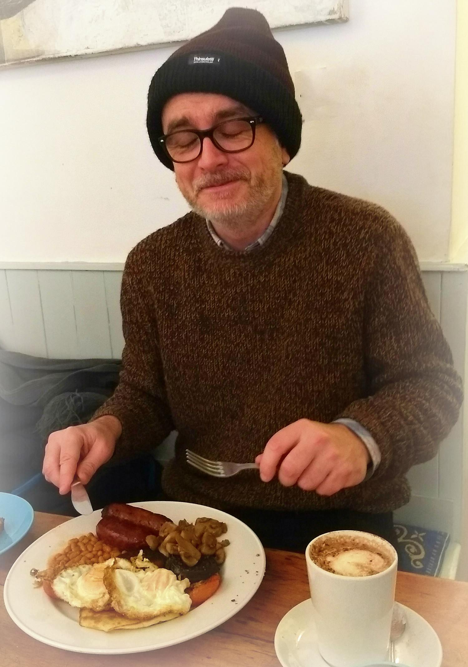 A reluctant pose for the camera. Getting stuck into the traditional Irish Breakfast at the 'Lovingspoon' North Frederick Street, Dublin.