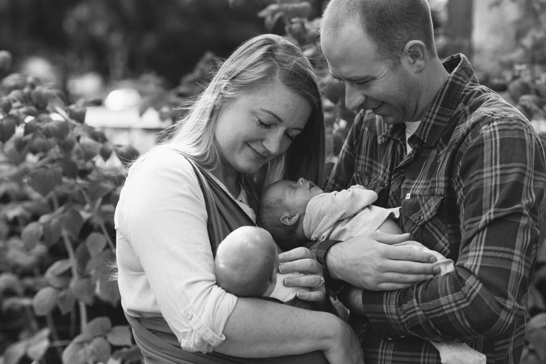 Newborn_Twins_Heather_Brincko_Photography-5.jpg