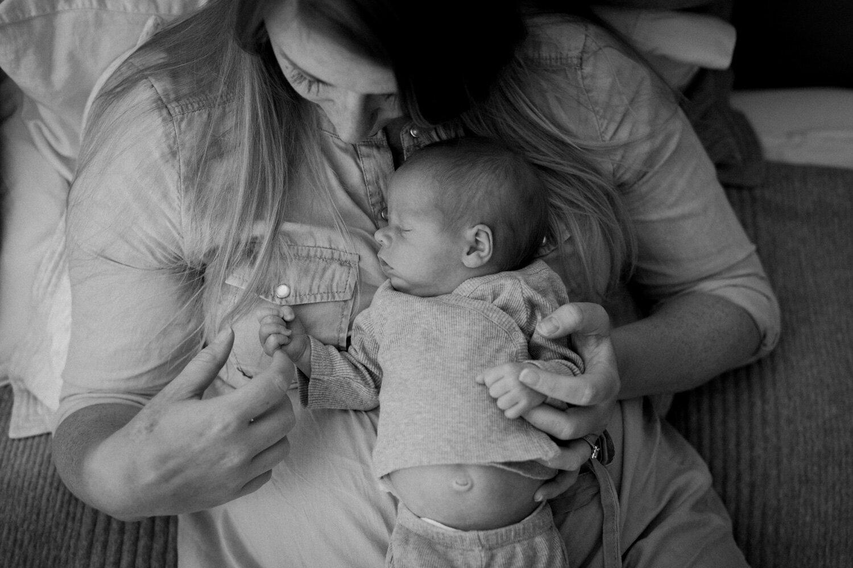 Newborn_Twins_Heather_Brincko_Photography-18.jpg