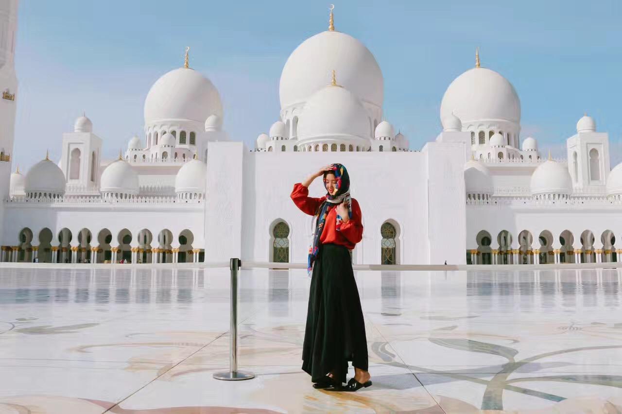 2017年,会后参观世界最大清真寺