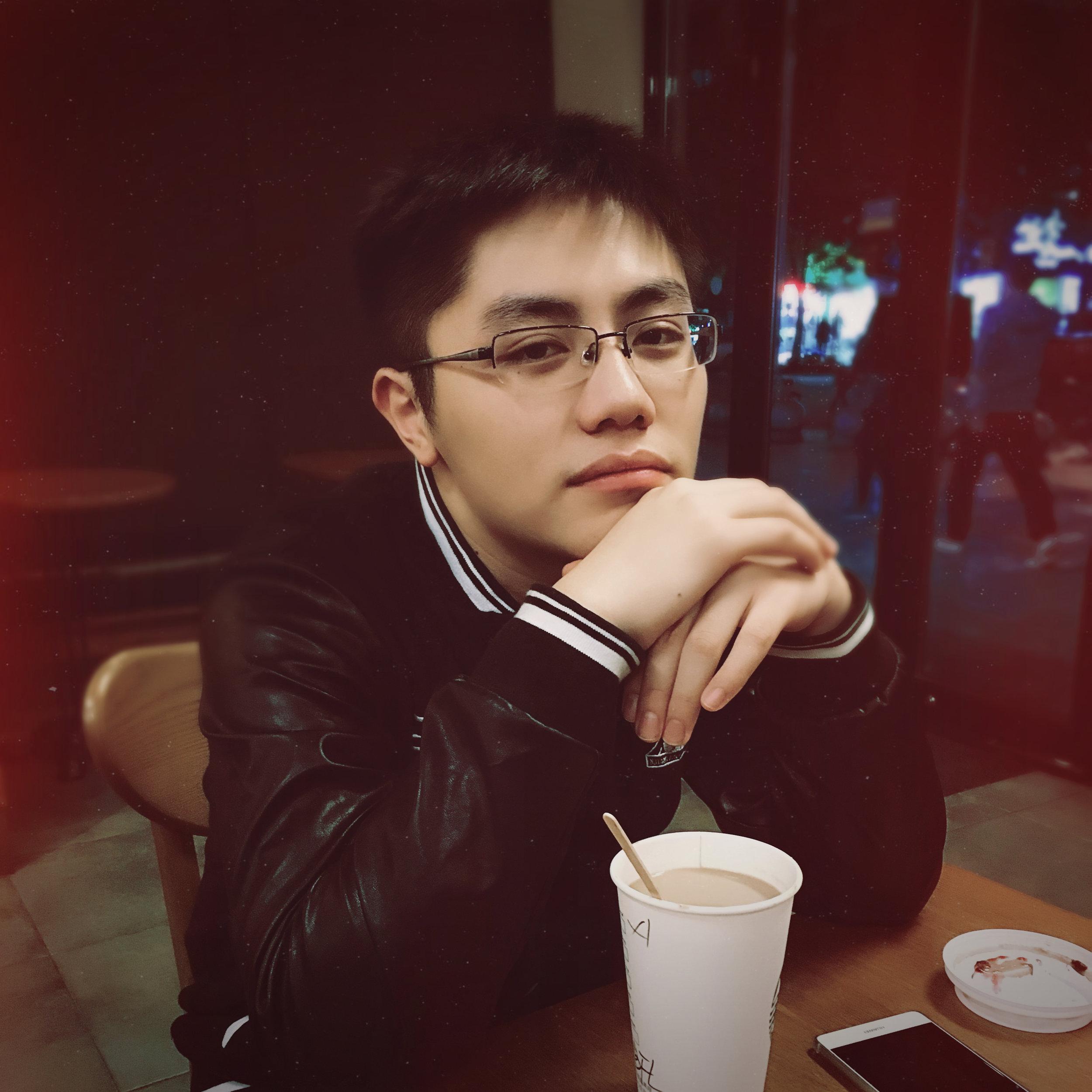 我叫李泽阳,在上大悉商读国贸~95年生,明年打算出国留学,在备战GMAT和雅思之余看到这个活动过来冒个泡,有缘与大家相见相识真好~