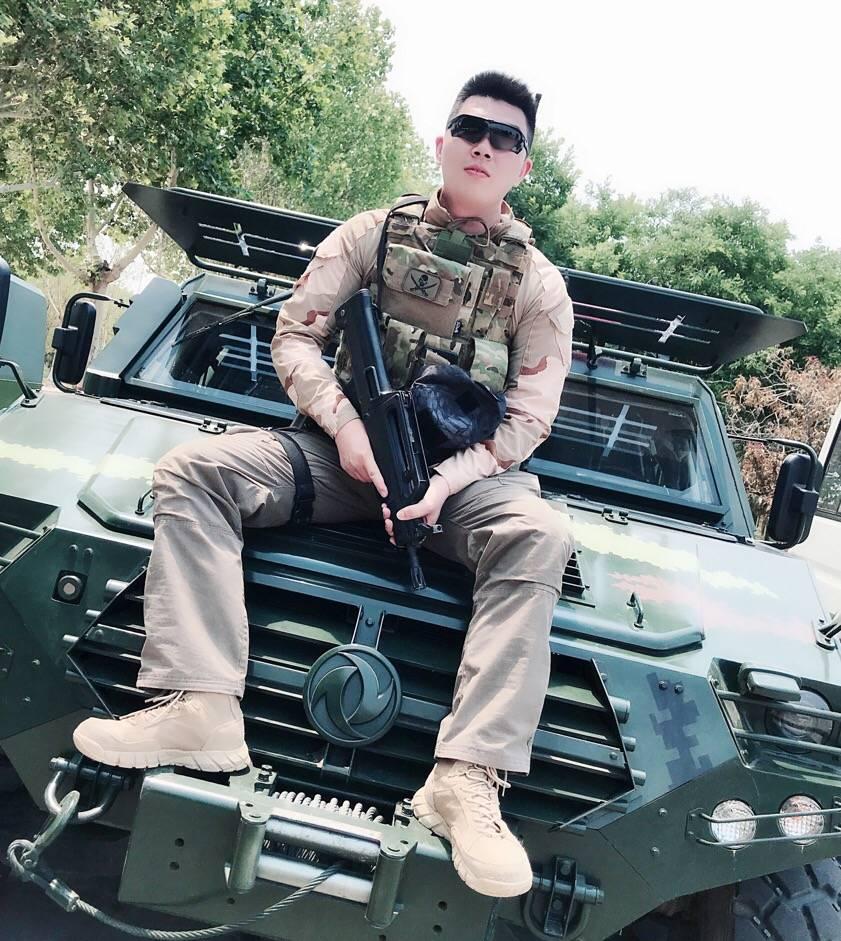 合肥,曼谷,布里斯班  国际防卫手枪协会的安全官SO也是一名退役的Sniper,有兴趣的话,我可以带你去体验射击的快感呦!把你培养成一名女射手  最主要性格开朗