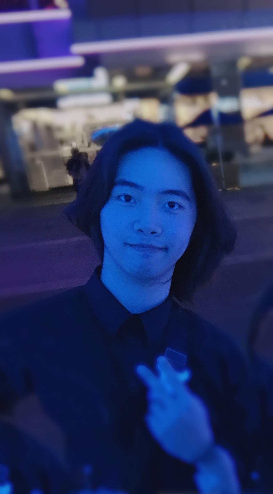 深圳  我是一个篮球直男,喜欢摄影、吃东西哈哈哈哈一个人旅行希望找个能一起出去吃饭的朋友  随缘