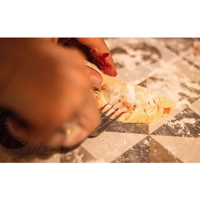 Was kann ich euch sagen, sie letzten Wochen waren einfach nur anstehend 🐶👩🔧👩💻😅Jetzt ist aber alles wieder am Laufen, unser Defender fährt und ich hatte Zeit für euch das Rezept dieser leckeren Dumplings mit Ziegenfrischkäse aufzuschreibende. Link findet ihr in Bio #thesunnyside #dumplings #selbstgemacht #hausgemacht #dumplingsselbstgemacht #overlanding #weltumzickzackung