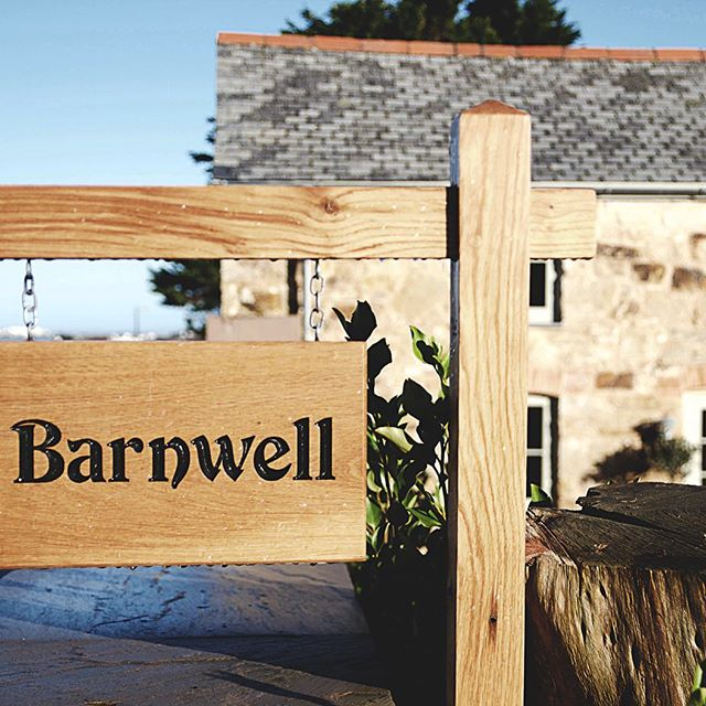 Here come the sunny Cornish weekends! Barnwell is shining bright! . . . #staycation #barnwellcottage #cottage #cubert #cornishcottage #weekendaway #lovekernow #sunnysaturday #spring2018 #modernliving #contemporarydesign #familytime #northcoast #getaway #beachtime #beach #countryescape #clicktobook #bookyourstay #vacancies