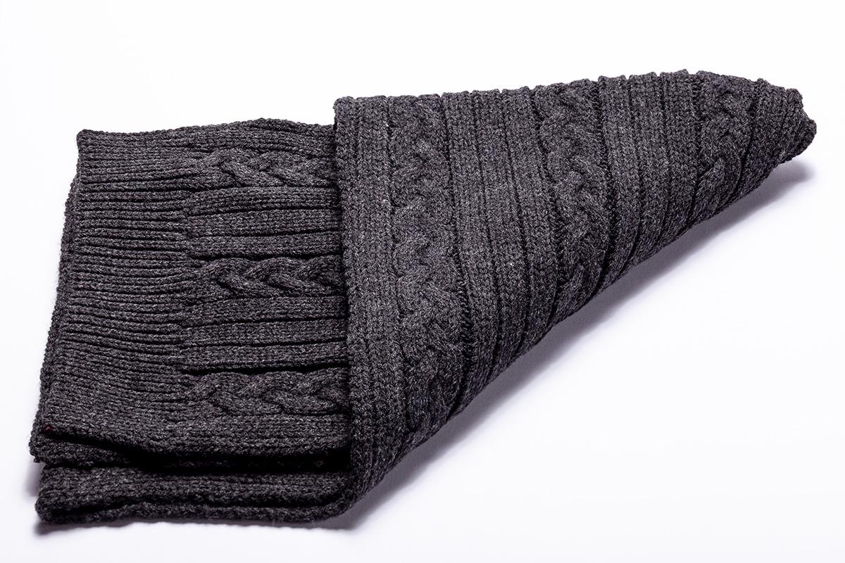 GreyScarf.jpg
