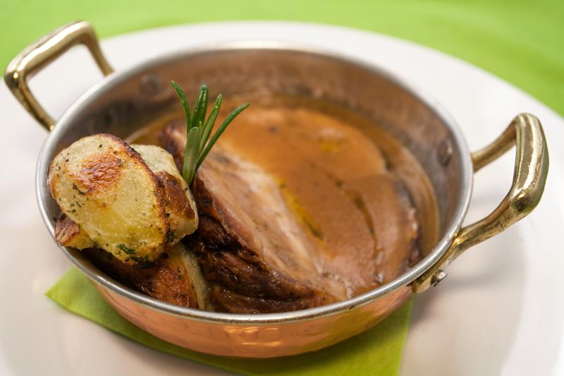 Arrosto al forno - di cinta senese con patate al rosmarino