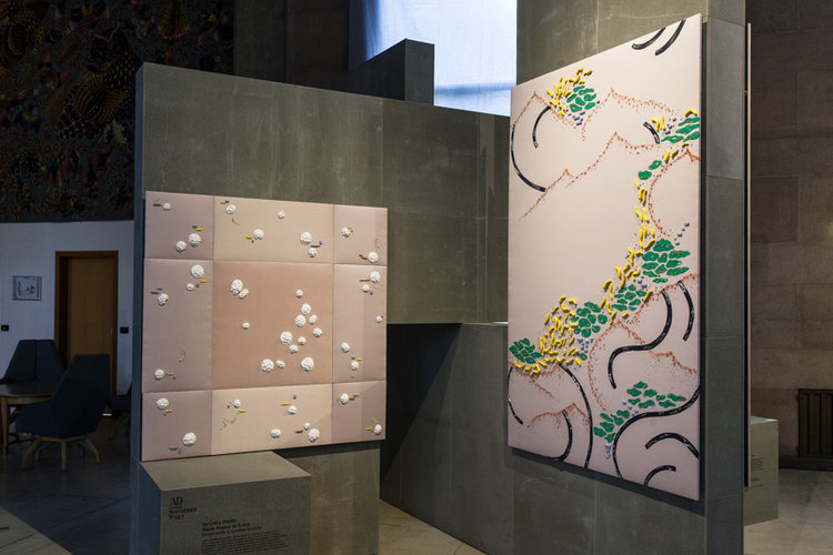 Chairwood & Studio de Crecy - Marie France travaille la matière et réalise des installations, scénographie, objets et décors. Les projets du studio sont des collaborations avec des maisons de luxe,