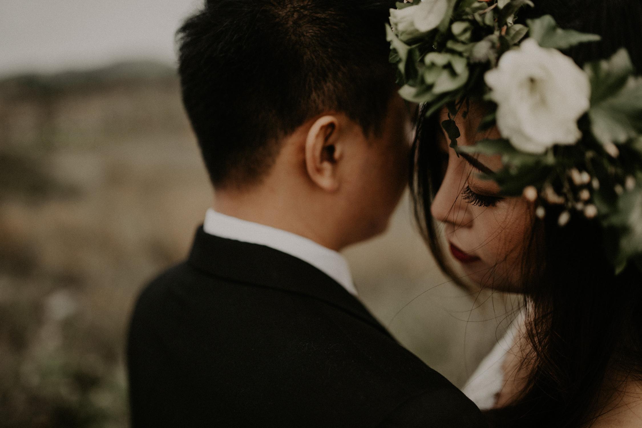 couple-engagement-marin-headlands_0002.jpg