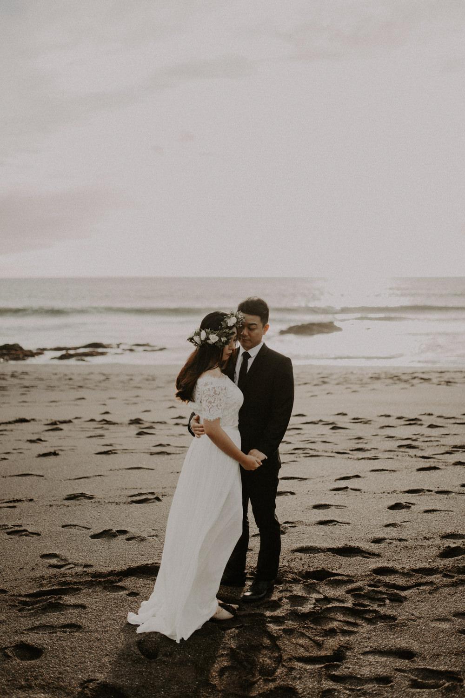couple-engagement-marin-headlands_0029.jpg