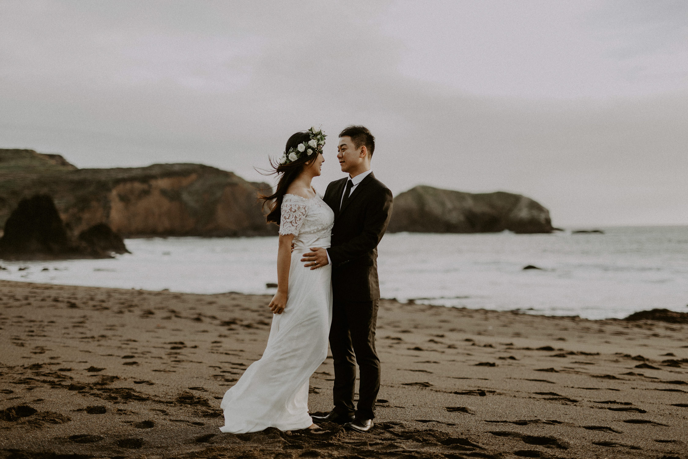 couple-engagement-marin-headlands_0041.jpg