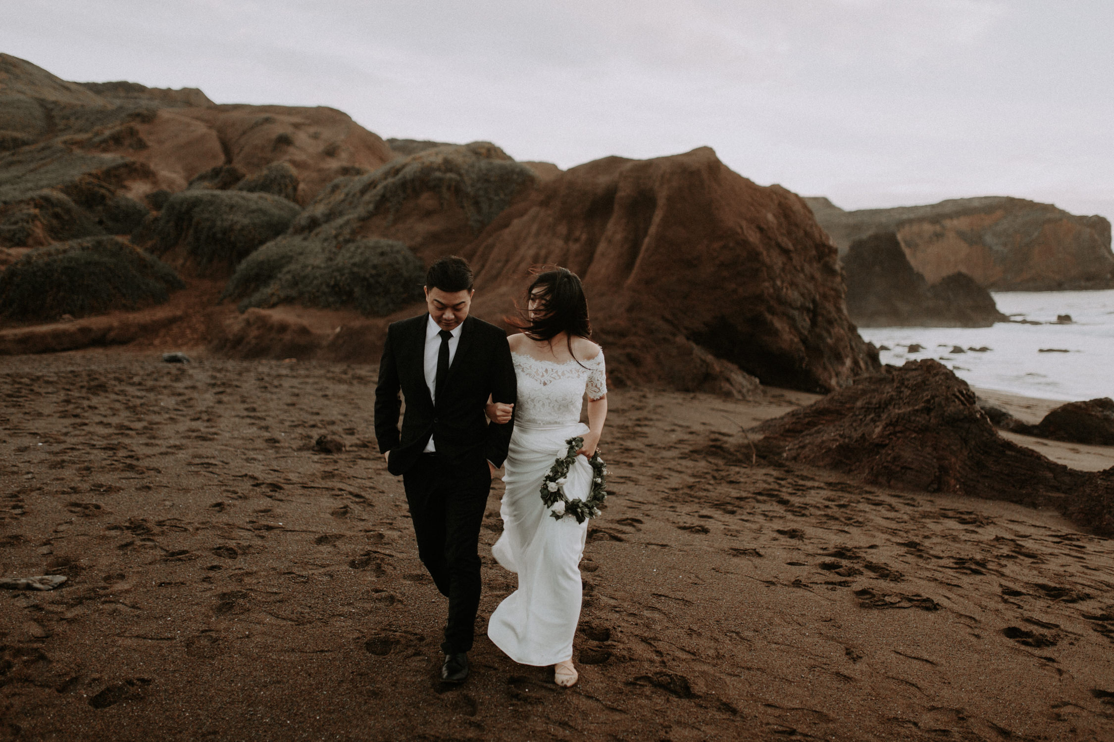 couple-engagement-marin-headlands_0090.jpg