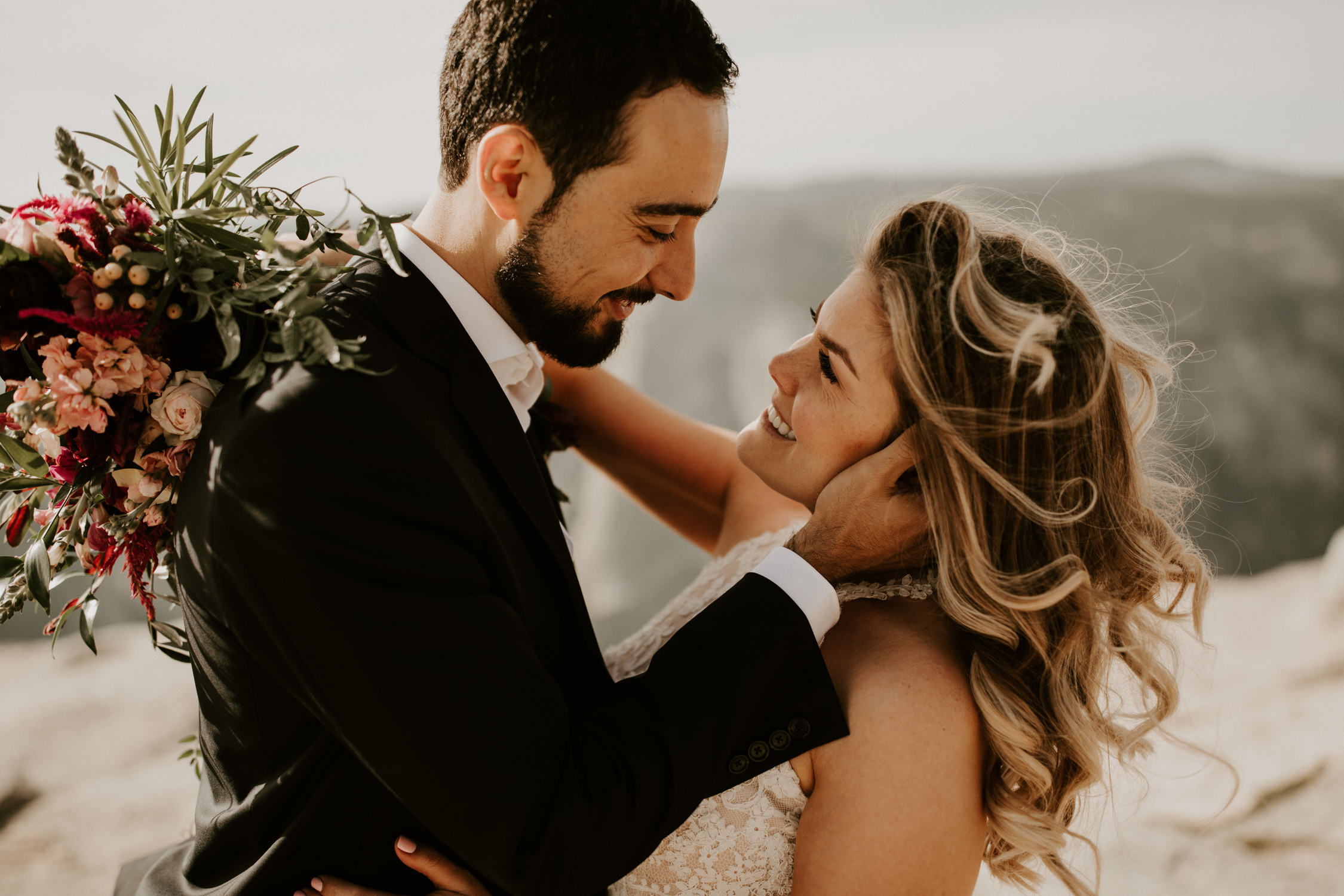 couple-elopement-yosemite-california_0029.jpg